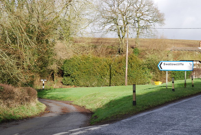 Junction to Swallowcliffe