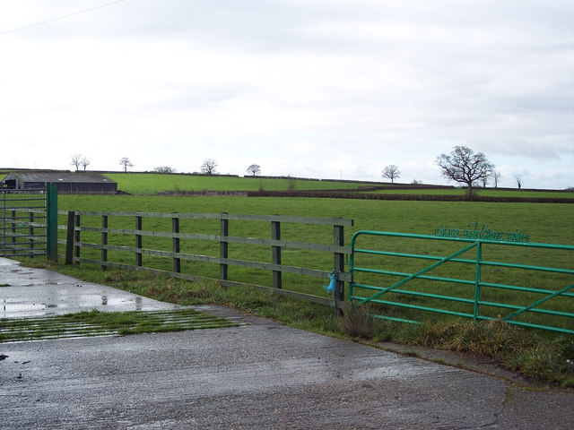 Entrance to Lower Hartgrove Farm