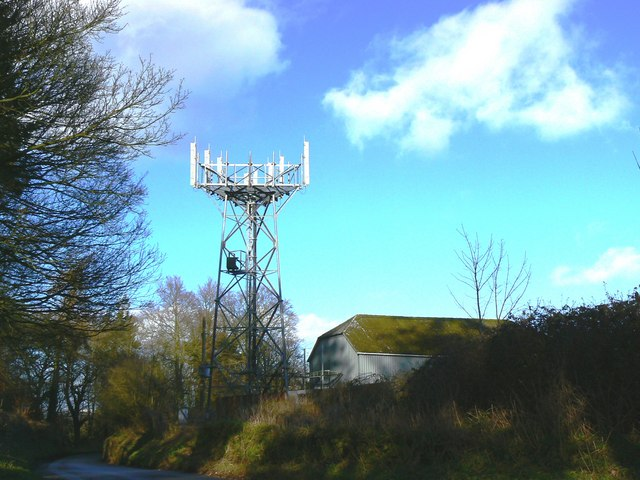 Cellphone Mast, north of Hodson, Swindon