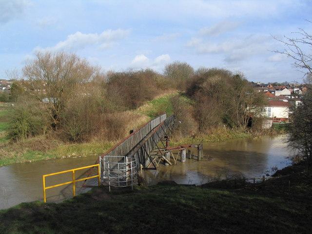 Former railway bridge over the Wreake