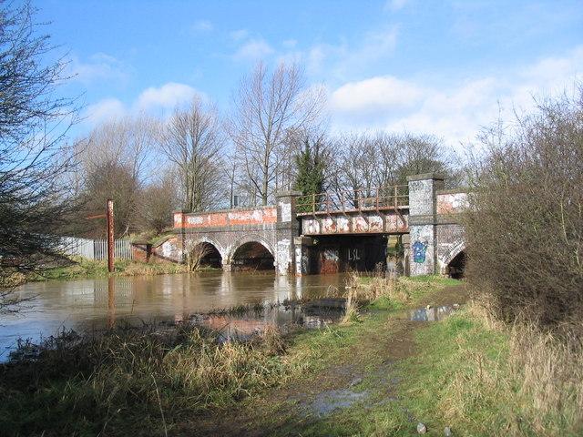 'Test-track' railway bridge over the Wreake
