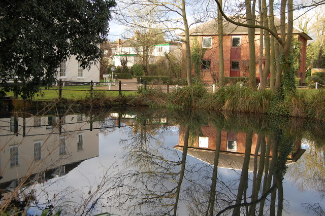 Lower Mill millpond, Ewell