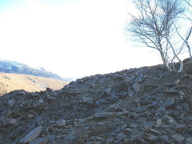 Remnant of the rubbish runs of Lower Glynrhonwy upper pit