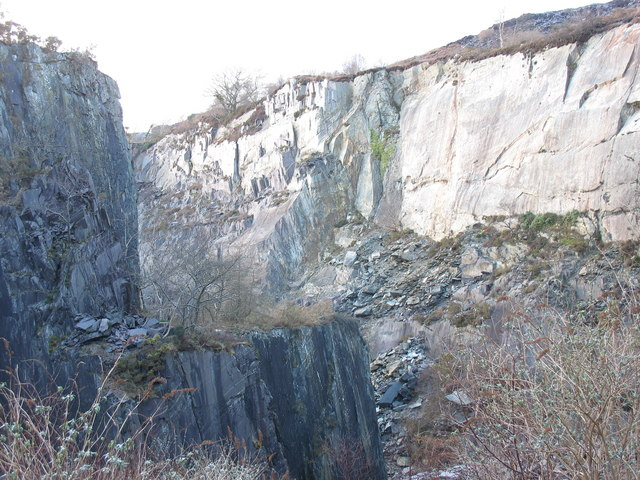 North  wall of the upper pit of Glynrhonwy Lower Quarry