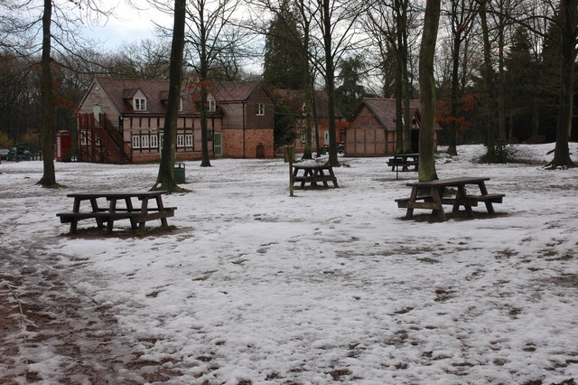 Picnic area, Queenswood Country Centre, Dinmore