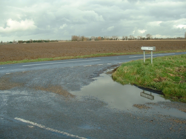 Road junction - Moll's Drove
