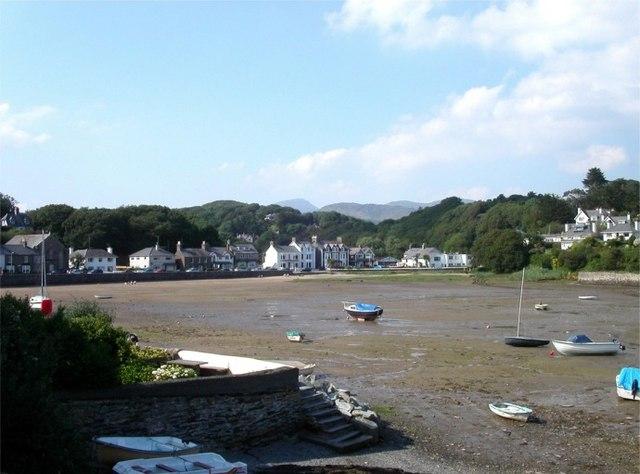 Borth-y-Gest harbour at low tide