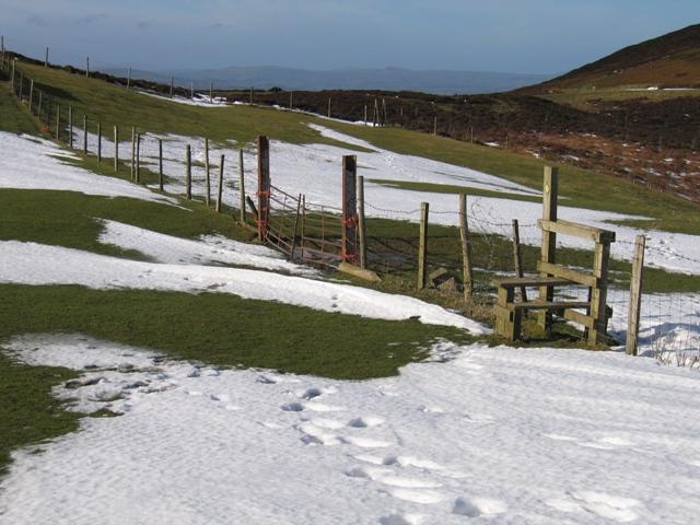 Footpath to Garreg Lwyd