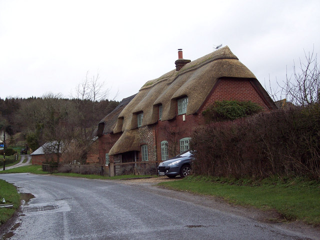 Thatched cottage near Little Durnford
