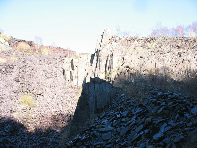 North-East  wall of the upper pit of Glynrhonwy Lower Quarry