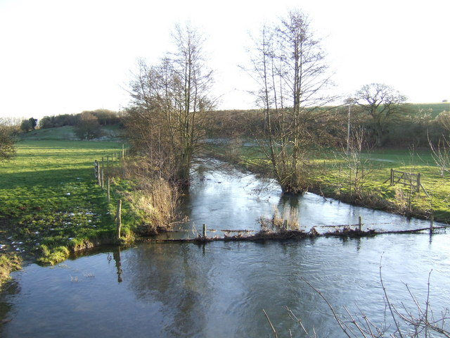 River Glyme flowing south