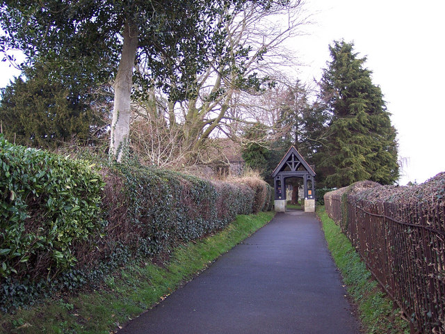 Footpath and lych gate to the Church of the Holy Rood, Shillinstone
