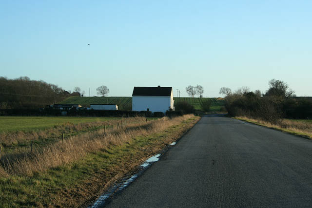 Looking south along Mareham Lane