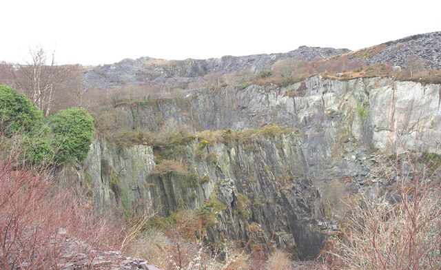 The igneous outcrop which almost bisects the upper pit of Glynrhonwy Lower