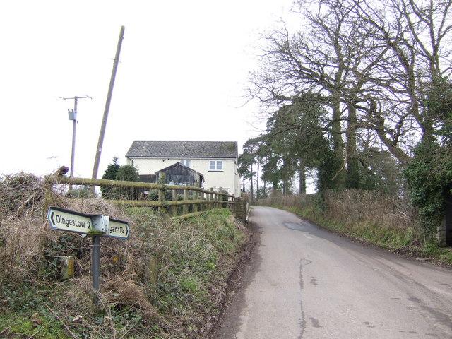 Road to Tregare and Raglan