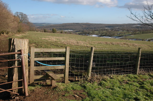 Stile and footpath to Hope under Dinmore