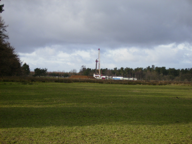 Drilling for land gas in February 2007