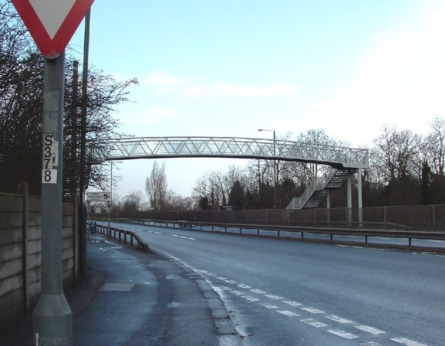 Footbridge over the Eastern Avenue