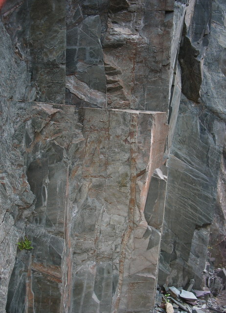 Igneous intrusions in the rock bar which bisects the upper pit of Lower Glynrhonwy