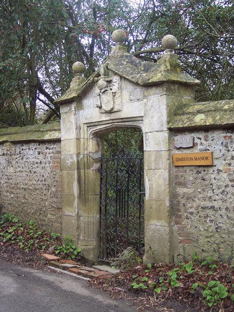 Gate to Idmiston Manor