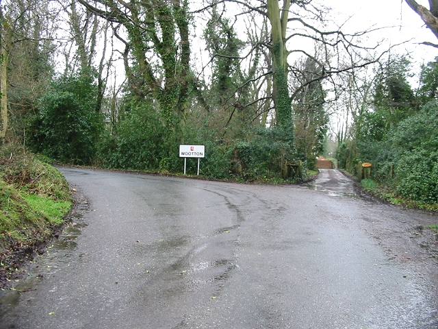 Entering the village of Wootton