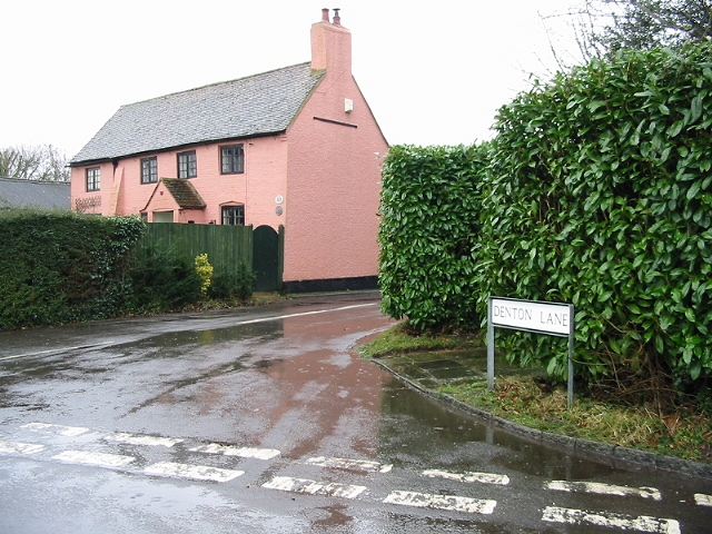 Salmon pink house on Denton Lane, Wootton