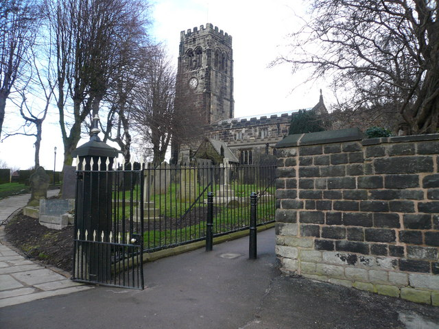 St Lawrence Church Entrance Gate and Footpath