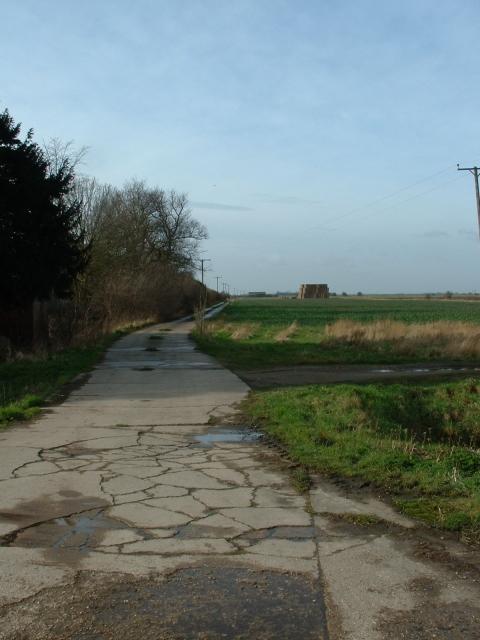 Track near Holly Tree Farm, Moulton Fen