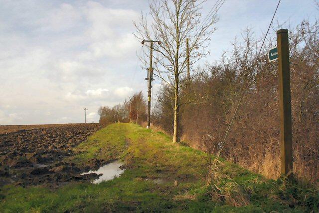 Footpath to Hopton