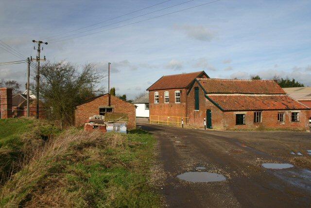 Henry Watson's Potteries, Wattisfield