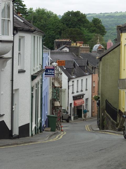 Llandeilo - view down Stryd Caerfyrddin