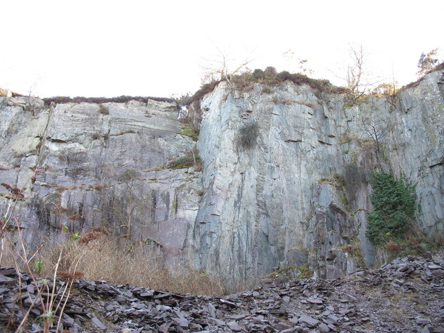 The south-east wall of the upper pit of Lower Glynrhonwy Quarry