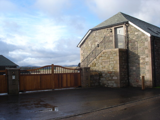Wallfauld House between Aberuthven and Kinkell Bridge