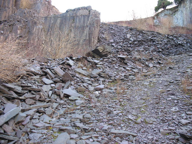 The old MOD road out of the upper pit of Glynrhonwy Lower Quarry