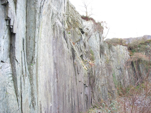 The upper part of the SE wall of Lower Glynrhonwy's upper pit