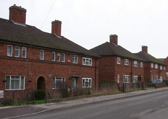 Fettiplace Road, Barton