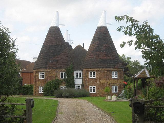 Reed Court Oast & Flanders Oast, Hunton Road, Chainhurst, Kent