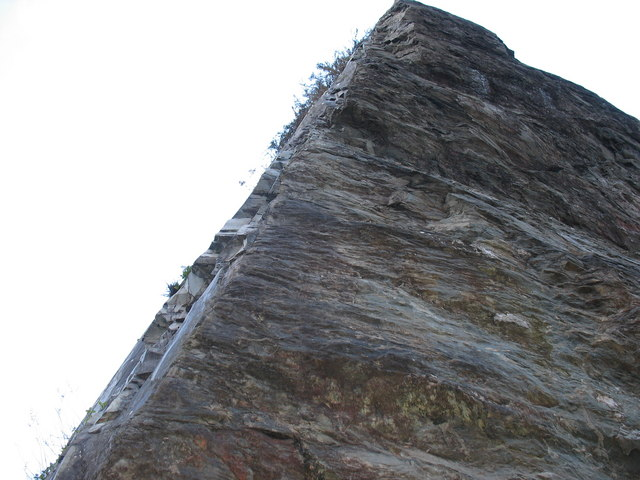 Prow-like rock pillar in the upper pit of Glynrhonwy Lower