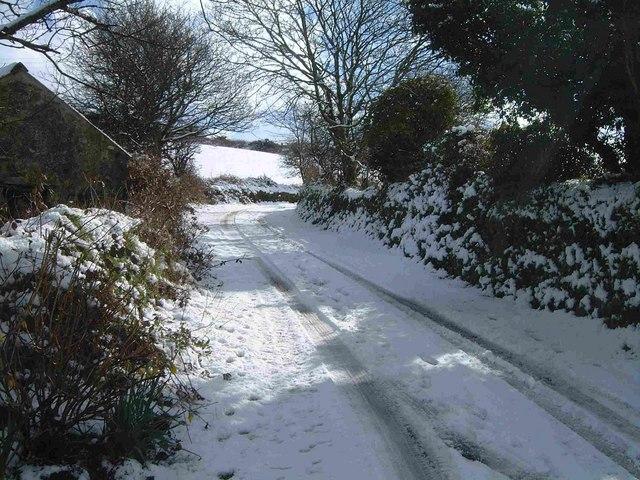 Lane outside Higher Garlidna