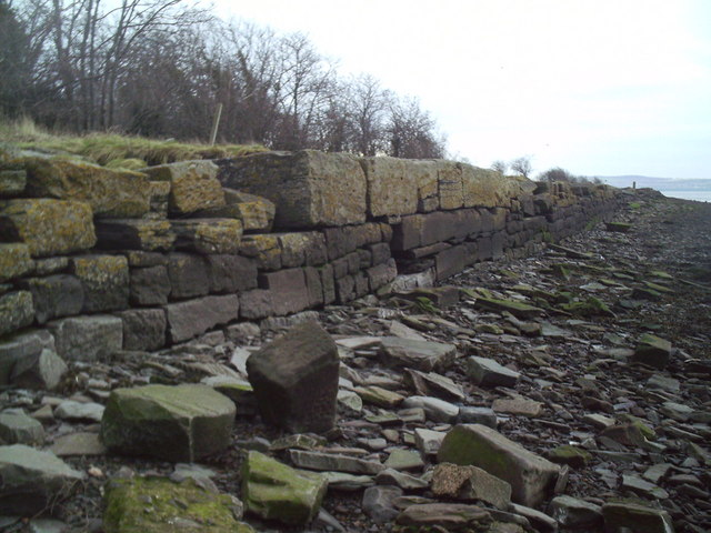 Old harbour wall at Kingoodie Quarry