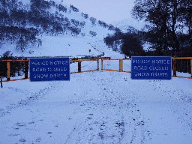 A93 Braemar-Glenshee road closed