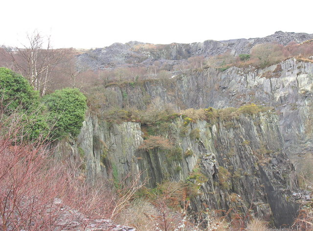 The bar of intrusive igneous rock from the SE edge of the upper pit of Glynrhonwy Lower Quarry