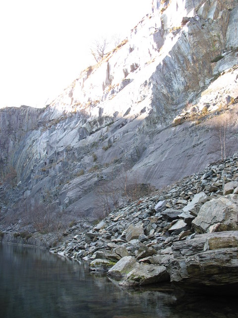 NW wall of the upper pit of Glynrhonwy Lower Quarry