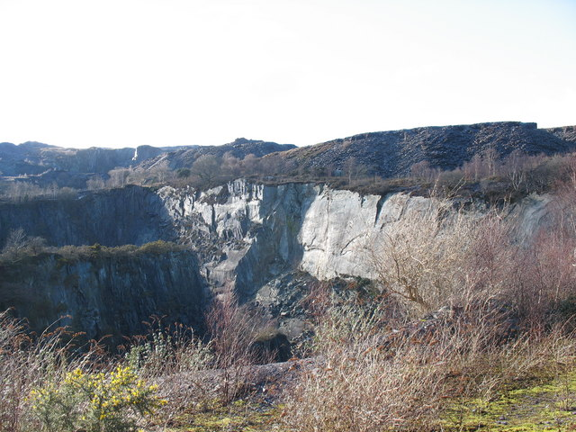 The eastern rim of the upper pit of the Glynrhonwy Lower Quarry
