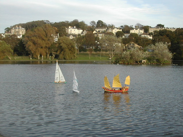 The lake at Woodhill, Portishead