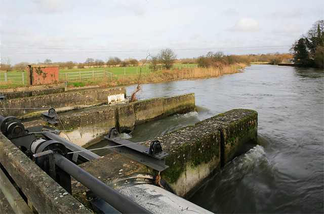 Weir across River Avon at Ringwood
