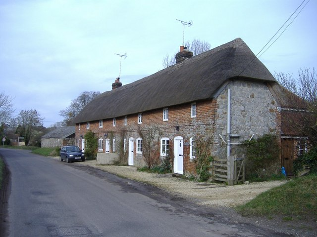 Thatched terrace, East Kennett