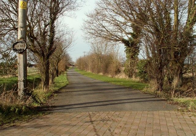 Road to Kiln Farm
