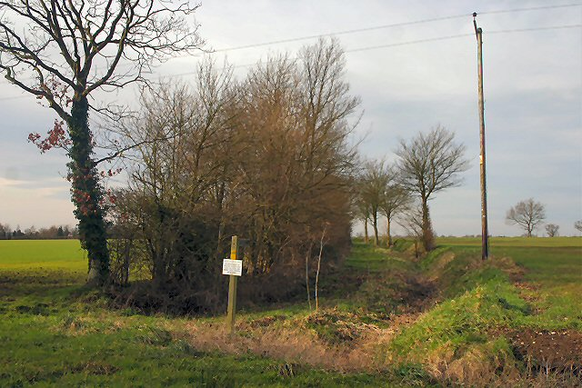 Footpath to Walsham-le-Willows
