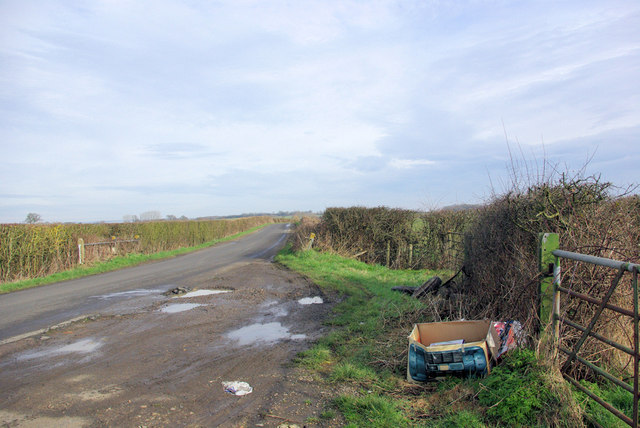 Fly-tipping by Chart Road